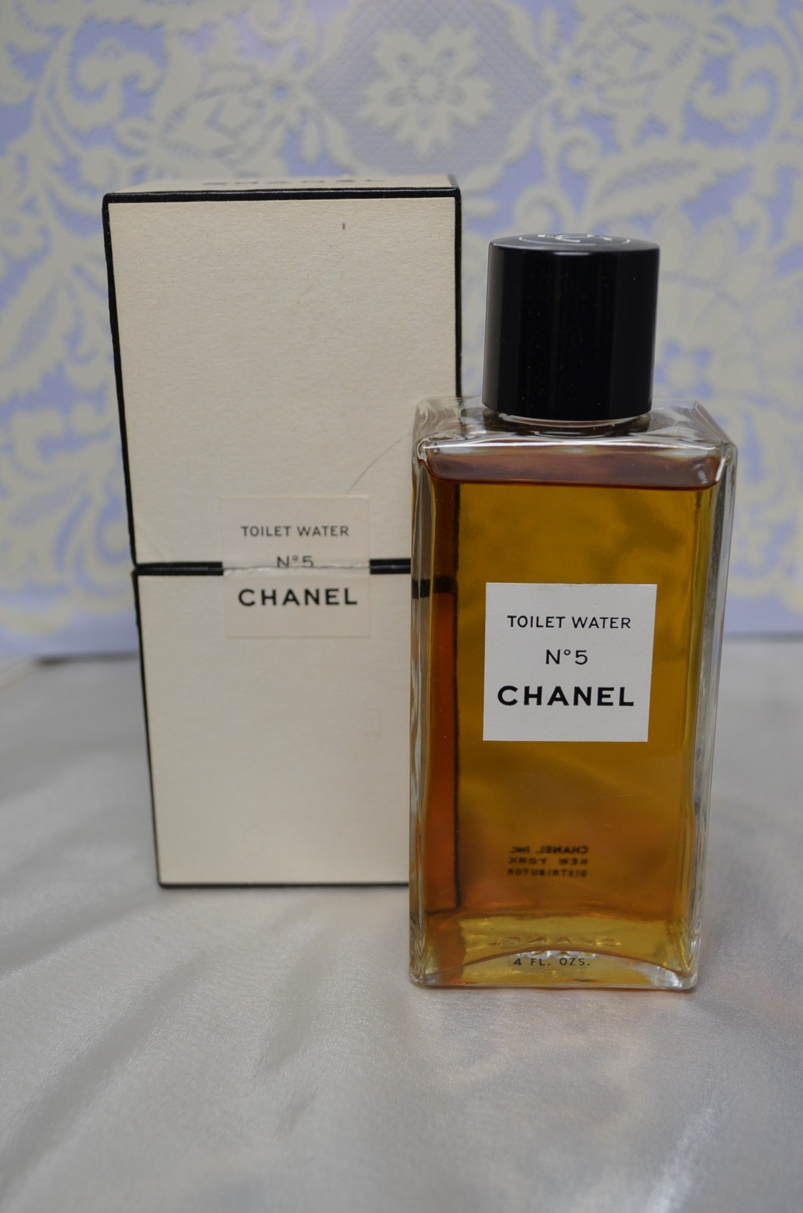 Where to Purchase Vintage Perfume Decants and Samples